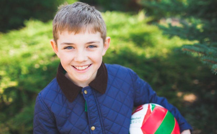 5 požymiai, kad jūsų vaikas jau pasiruošęs kontaktiniams lęšiams.